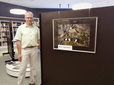 Stefan Reilich eröffnet seine Ausstellung in der Mediathek (Foto: Stadt Kamp-Lintfort_Pelzer)